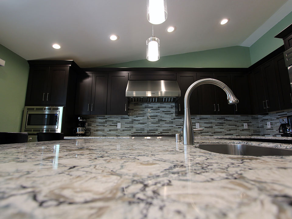 Countertop kitchen sink