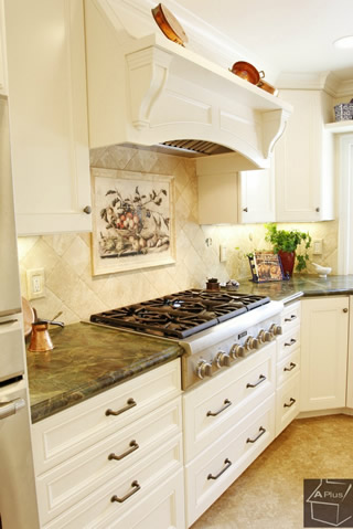 Cottage Design Kitchen in Orange County